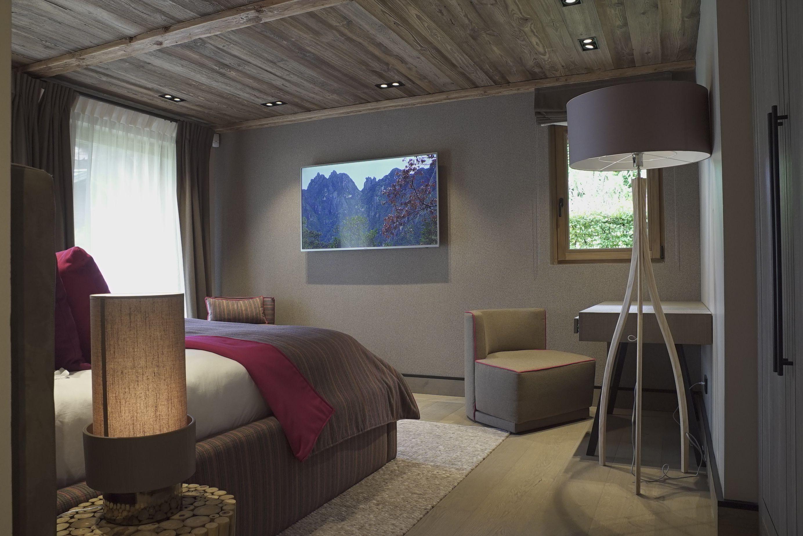 Vacation bedroom chambre chalet montagne megeve ikone rental