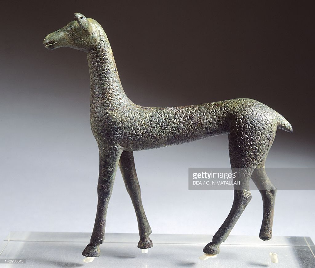 Fawn, bronze statuette from Brolio (Tuscany). Etruscan Civilization, 600-570 BC. Florence, Museo Archeologico Nazionale