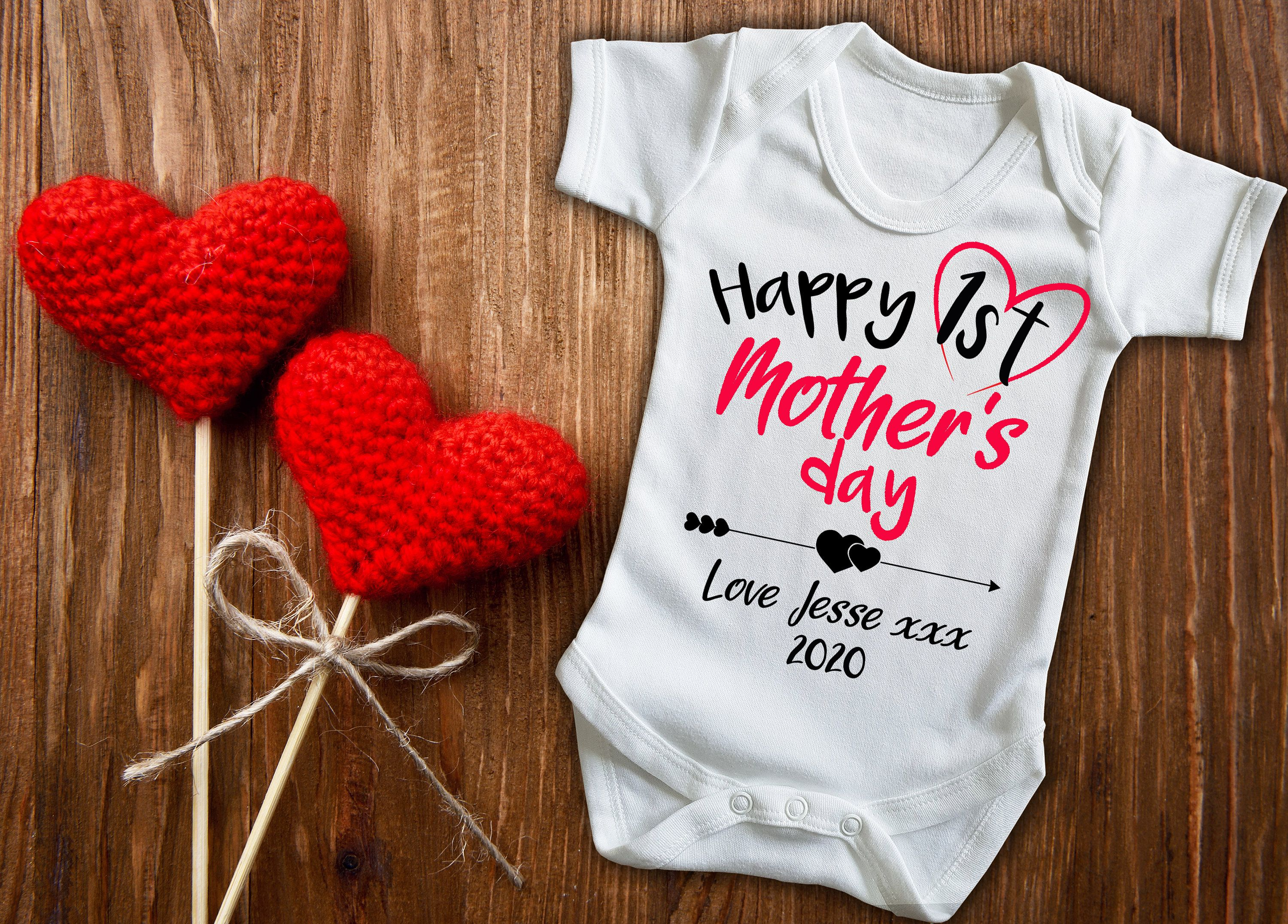 Custom Happy 1st Mother S Day White Baby Grow Bodysuit Mothers Day Gift In 2020 New Baby Products Valentines Day Baby Baby Grows