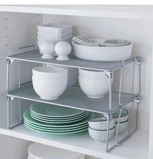 Ideas espacio armarios cocina una mini estanter a dentro - Armario de cocina ...