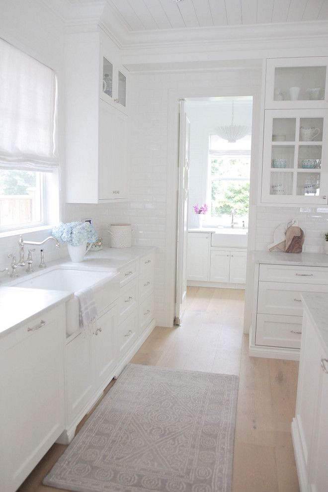 Best Many Designers Find Benjamin Moore Oc 117 Simply White To 400 x 300