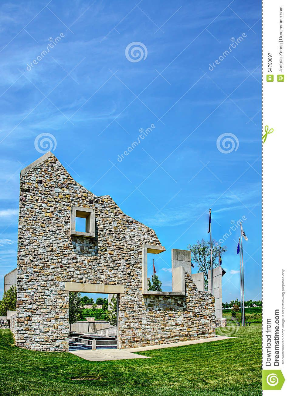 Fort indiantown gap barn monument front image