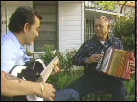 Some great older footage of Santiago and Flaco Jimenez  explaining Tex Mex music.