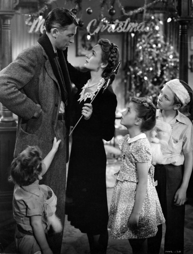 Still of James Stewart and Donna Reed in It\'s a Wonderful Life ...