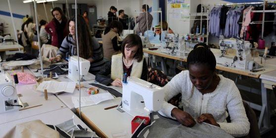 I contributi volontari dei genitori vanno dagli 80 ai 200 euro. I presidi: «Servono per i laboratori e a volte per gli arredi»