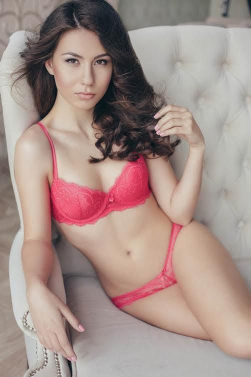 Our escorts are as beautiful as models and the independent service that these Delhi escorts provide would drive you into a new world. So, wait no more, you are just steps away from getting the best escort service that you demand.