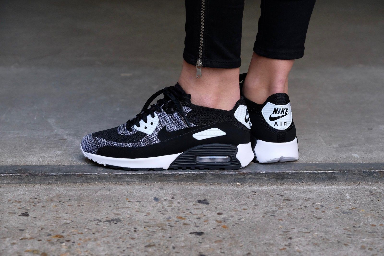 Nike W Air Max 90 Ultra 2.0 Flyknit (BlackBlack White Anthracite)