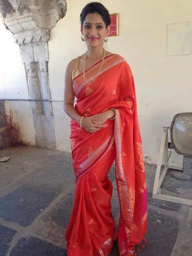 priya bapat in paithani