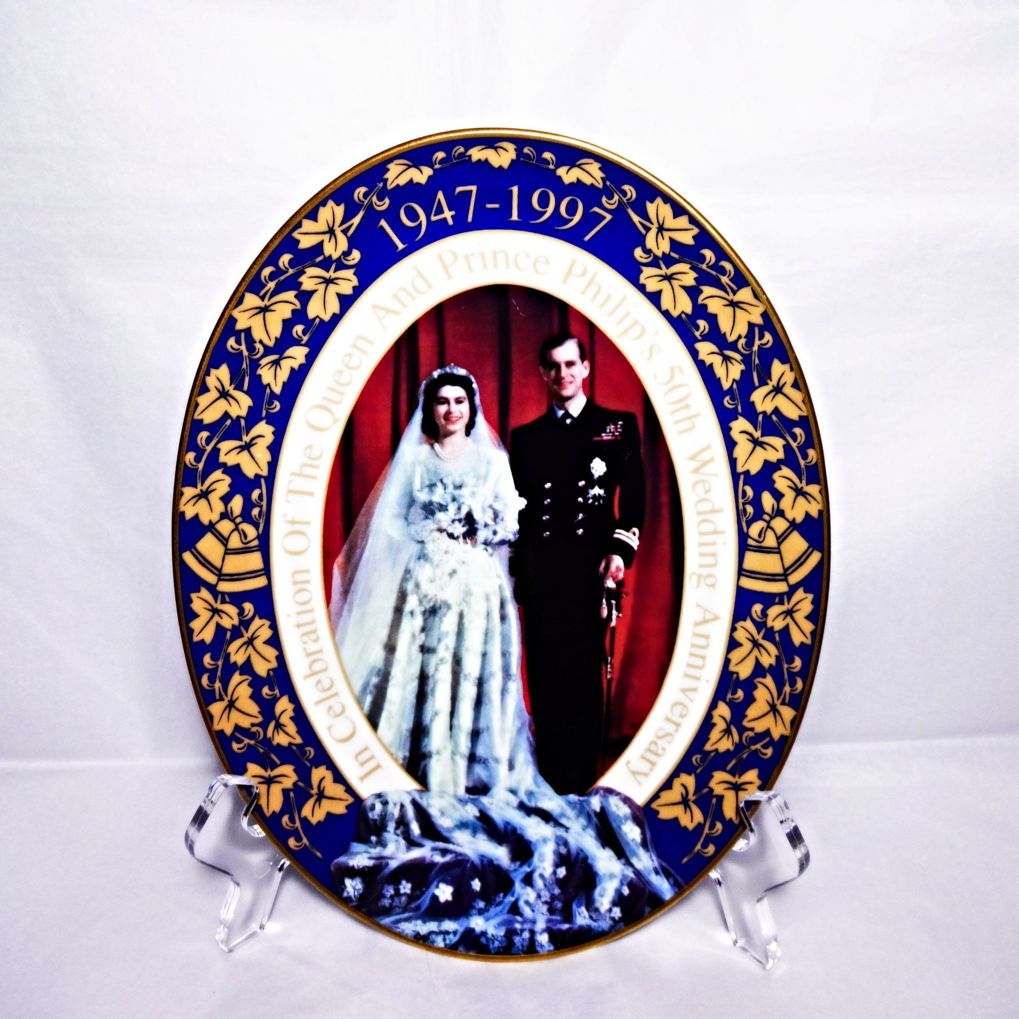 The Queen Prince Philip Royal Worcester 50th Wedding Etsy 50th Wedding 50th Wedding Anniversary Golden Wedding Anniversary
