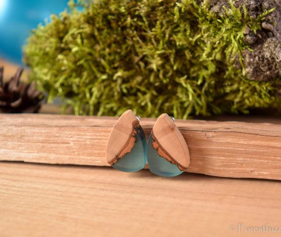 Future curtains wooden earrings  nature earrings by ForestFuzz