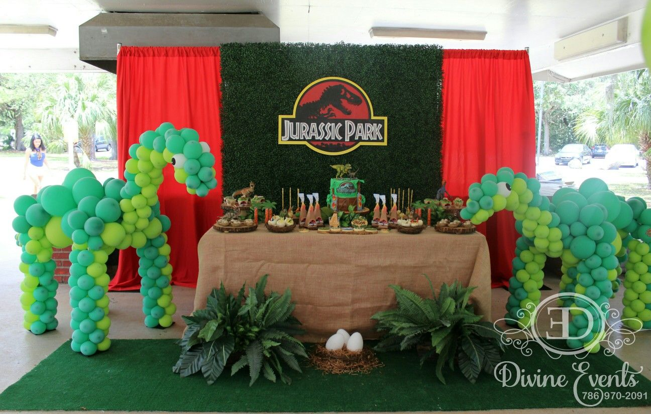 Complete View Of This Beautiful Jurassic Park Party