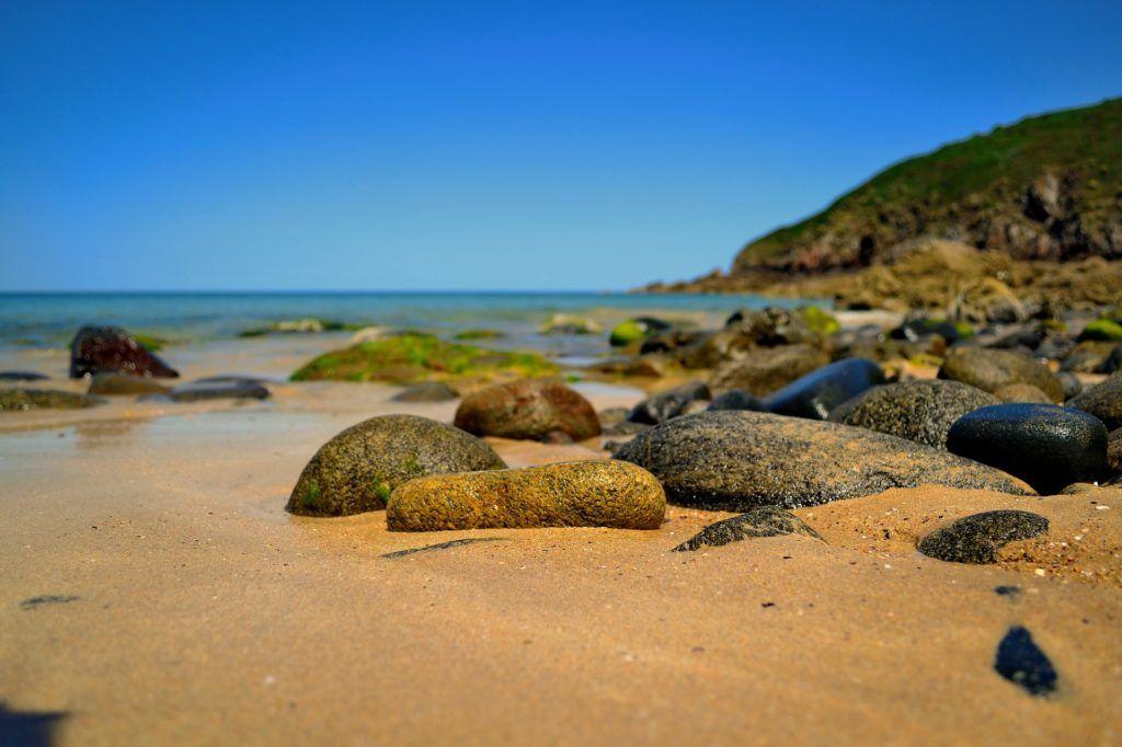 Fondo de pantalla de playa arena piedras rocas orilla mar fondos de pantalla hd hd - Fotos fondo del mar ...
