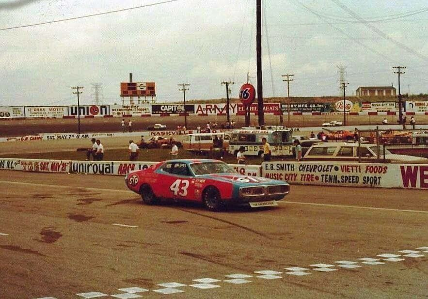 Pin by Alan Braswell on NASCAR and racing (With images