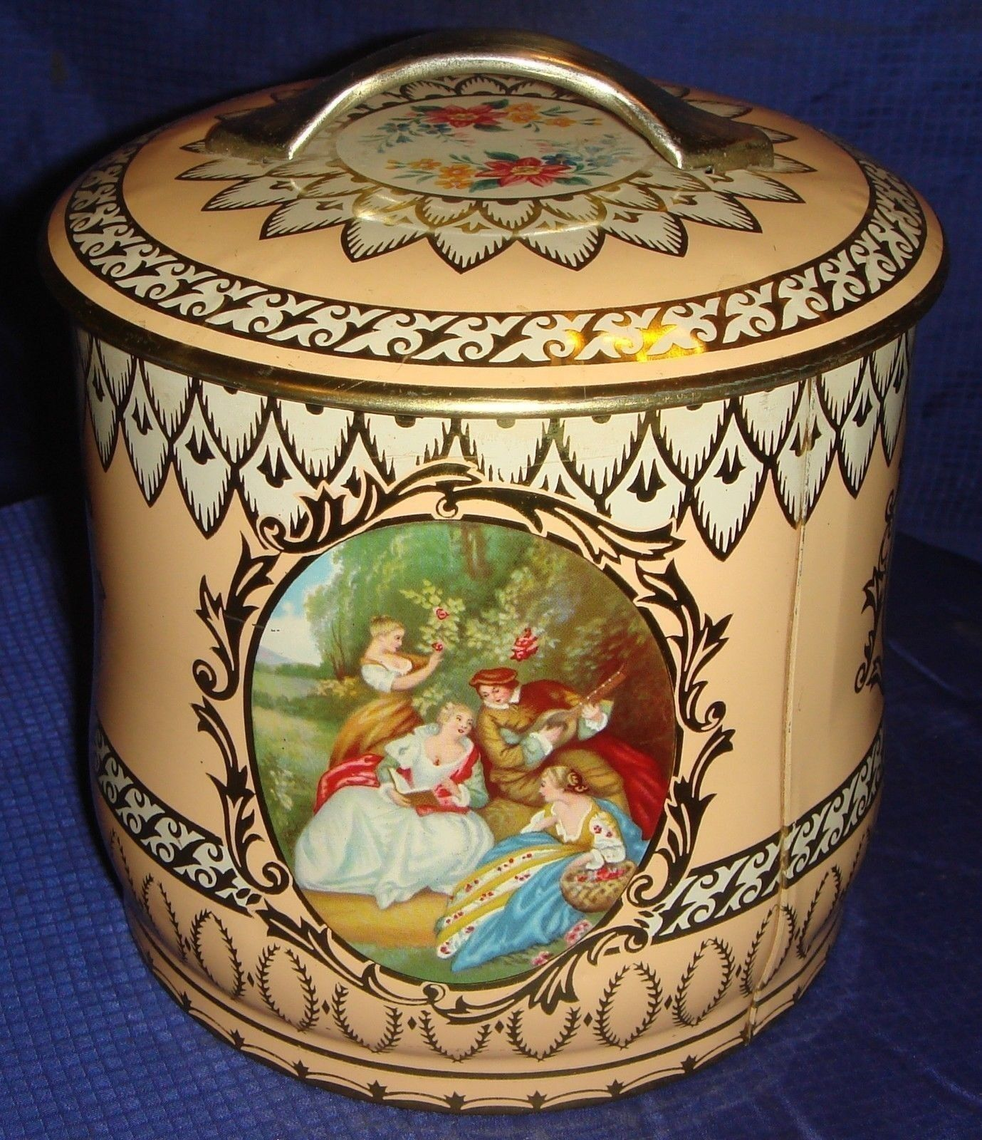 "BR964 Vtg 5"" Round Metal Tin Romantic Decoration Ladies and Lute Player ca.picclick.com"