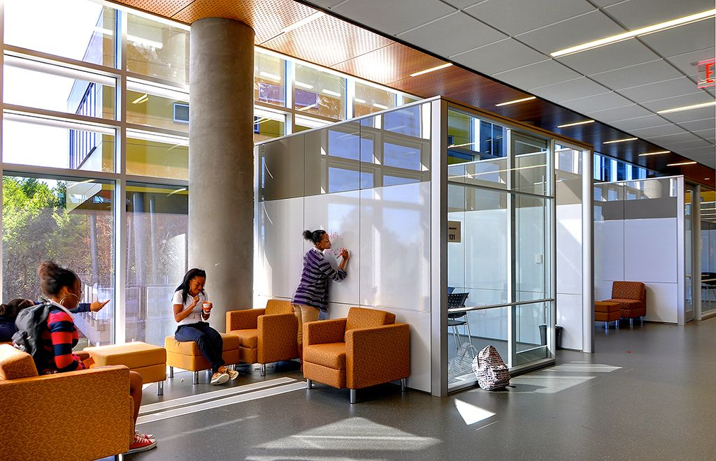 Love The Glass Project Rooms Writeable Walls Dirtt Education Technolibrary Library And