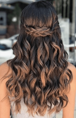 28 Amazing Graduation Women Hairstyles For Your Special Day Quince Hairstyles Easy Hairstyles For Long Hair Long Hair Styles