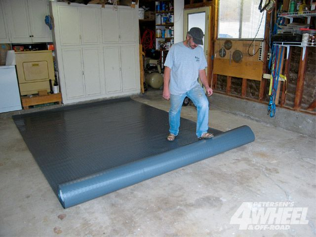 Installing Garage Floor Covering Ideas And Options Vinyl Garage Flooring Garage Floor Modular Tile