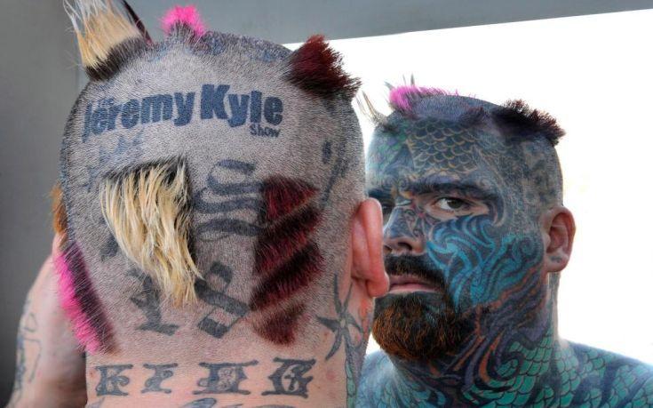 Magazino1: Ο «βασιλιάς των τατουάζ» στη Βρετανία κινδυνεύει ν...