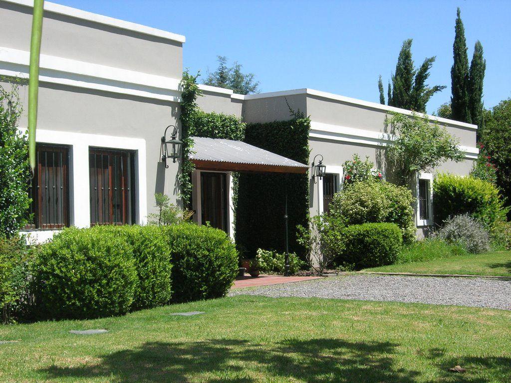 Pin de romiartesi artesi en casas pinterest for Fachadas de casas de una planta