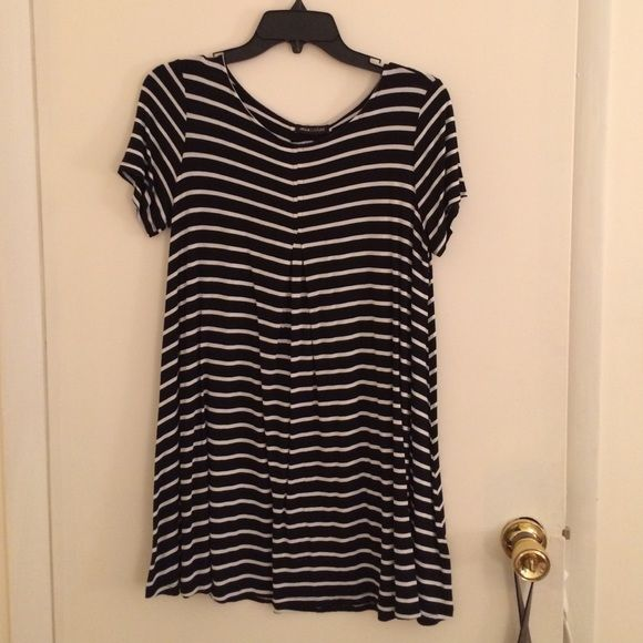 Black and white striped jersey dress Cute and easy to wear! And super comfortable! Never worn! Dresses Mini
