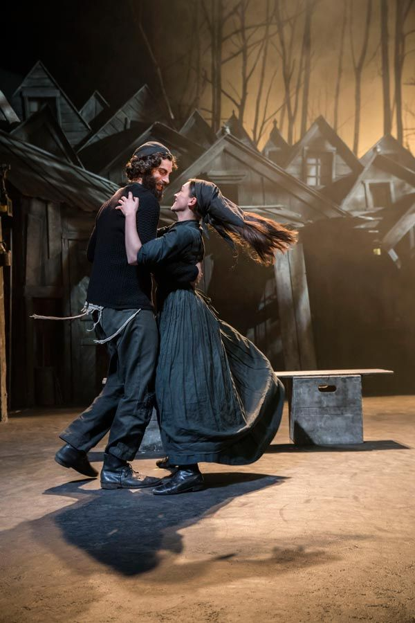 Fiddler On The Roof West End Musical Couple Dancing Fiddler On The Roof Couple Dancing Musicals