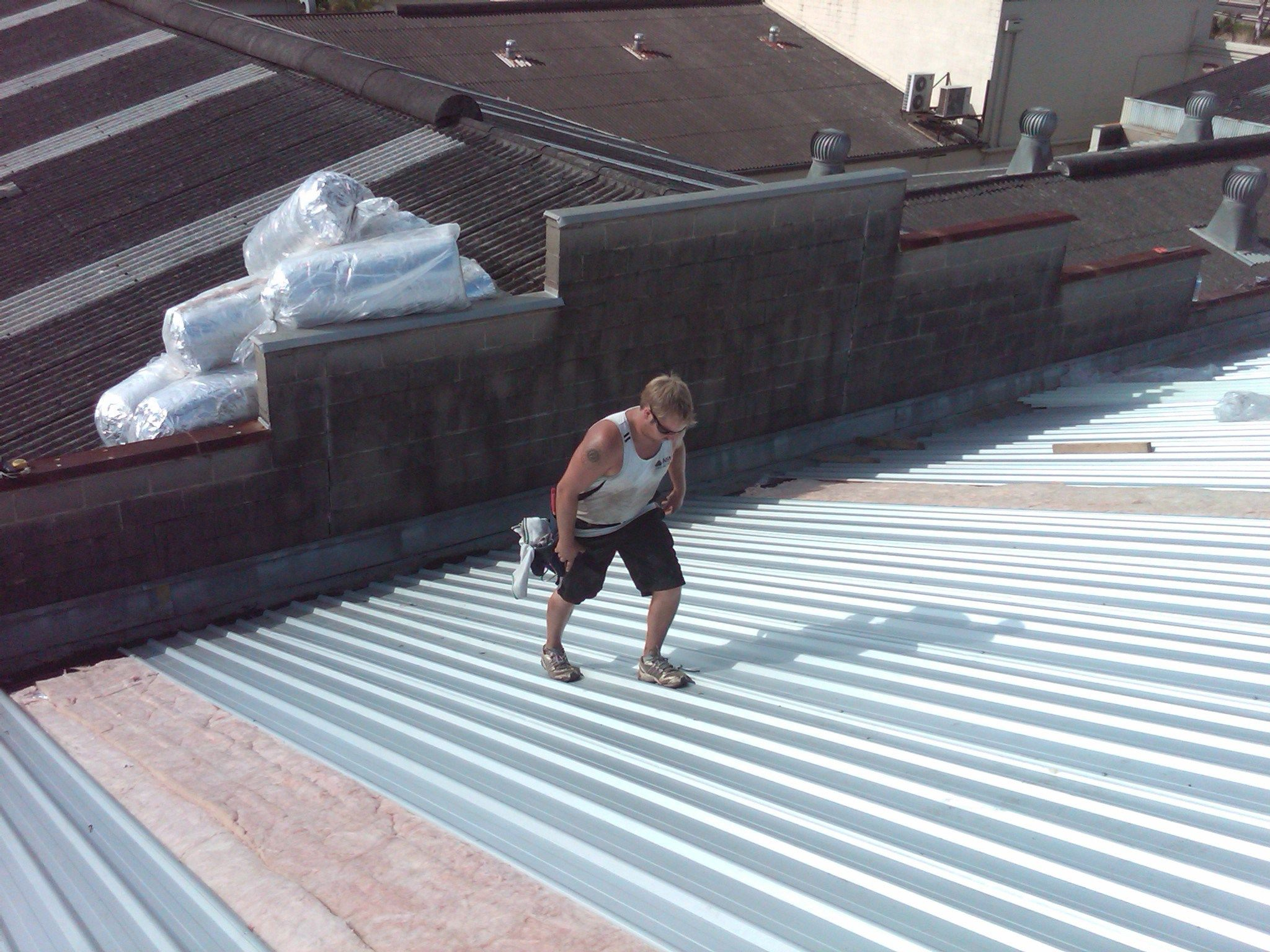 How Much Does A New Roof Cost To Install Roof Cost Reroofing Roof