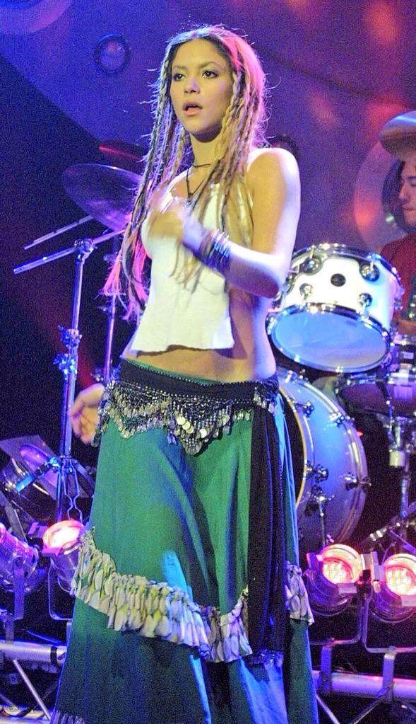 Laundry Service : Shakira | HMV&BOOKS online - EK63900 |Shakira Laundry Service Photoshoot