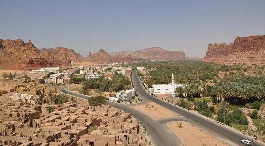 دليل لايفوتك مدينة العلا يقع هذا الموقع الأثري بين المدينة المنورة و تبوك و ذلك شمال غرب المملكة العربية السعودية حيث تم إطلاق Country Roads Outdoor Beach