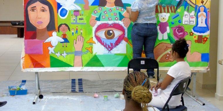 Honduras: Atención en salud mental para víctimas de la violencia | En 2016 Médicos Sin Fronteras amplió sus actividades en Tegucigalpa y Comayagüela, #Honduras, para facilitar el acceso a la atención de las víctimas de lo que se conoce como Otras Situaciones de Violencia (OSV), y que incluyen a víctimas de secuestros, extorsiones, asaltos, amenazas contra la vida y otros hechos violentos de alto impacto.
