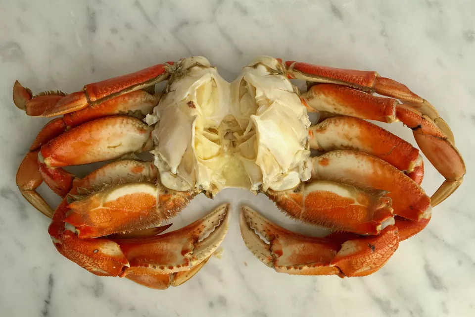 See This Illustrated Guide On How To Clean Fresh Crabs Cooking Dungeness Crab Crab Dishes Crab Meat Recipes