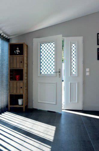 Porte d\u0027entrée / battante / en aluminium / semi-vitrée - ATHENA - pose d une porte d entree