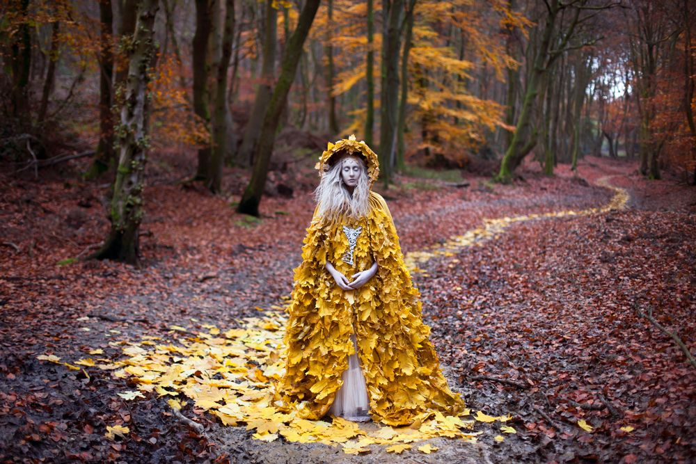 The Guidance of Stray Souls; Kirsty Mitchell, photography, storytelling, costumes