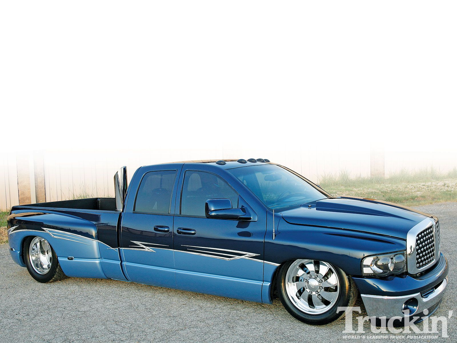 2005 dodge ram 3500 custom two tone paint job photo 2