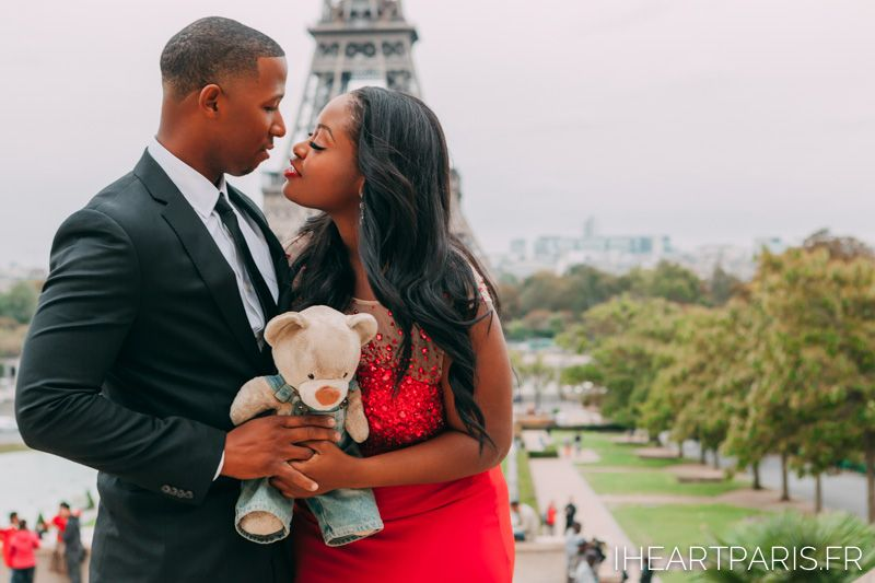He gave her this Teddybear 9 years ago when they got together, and now they brought it along to Paris as a symbol of their love and commitment to each other <3 #iheartparisfr #toureiffel #eiffeltower #photoshootinparis #parisphotographer #photographerinparis #paris