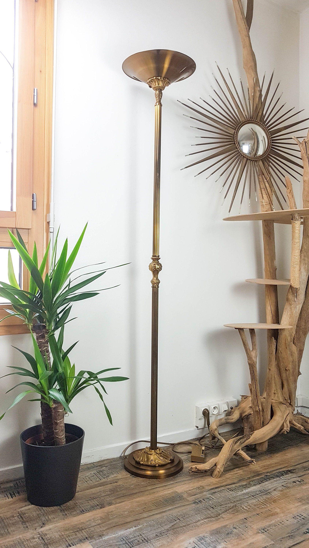Lampadaire Dore Louis Xv Reflecteur Bronze Et Support Rond Lampadaire Halogene Lucien Gau Mid Century Luminaire Vintage Lampe Maison Luxe In 2020 Bronze Floor Lamp Halogen Floor Lamp Gilded Floor Lamp