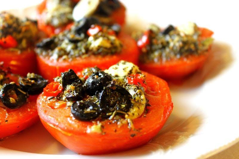 Ferdakost: {Stuffed Tomatoes}