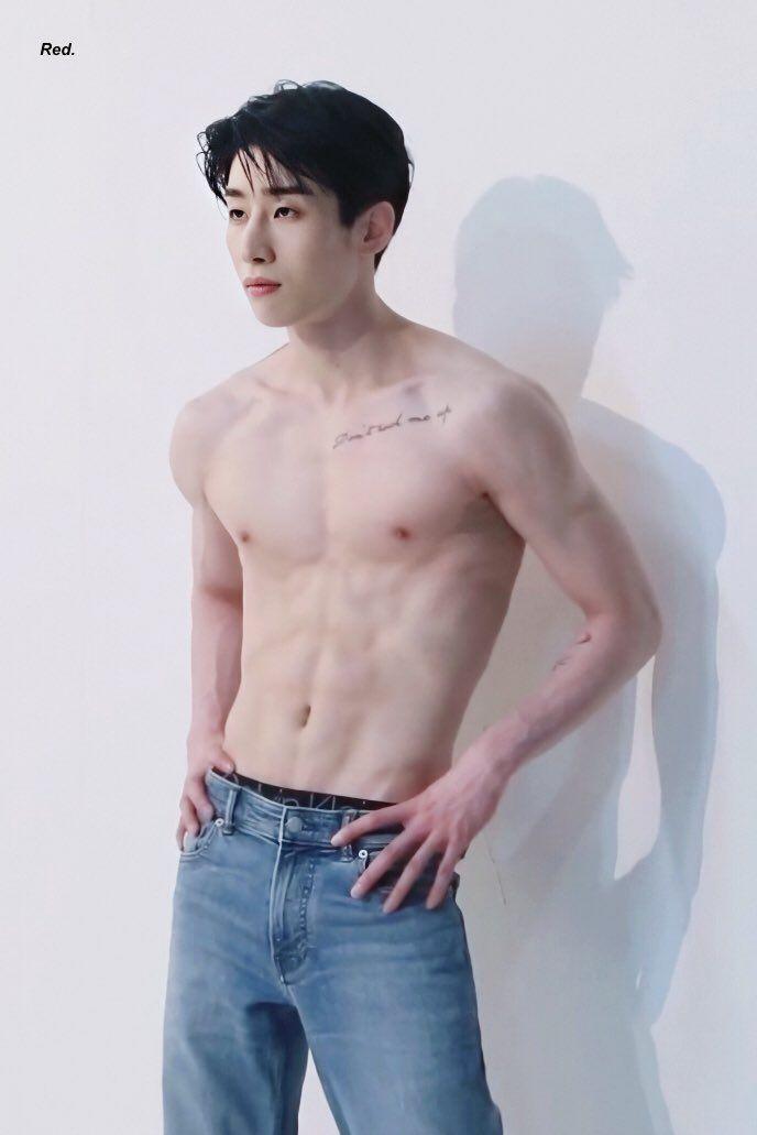 Shirtless Kpop Idols Pinterest