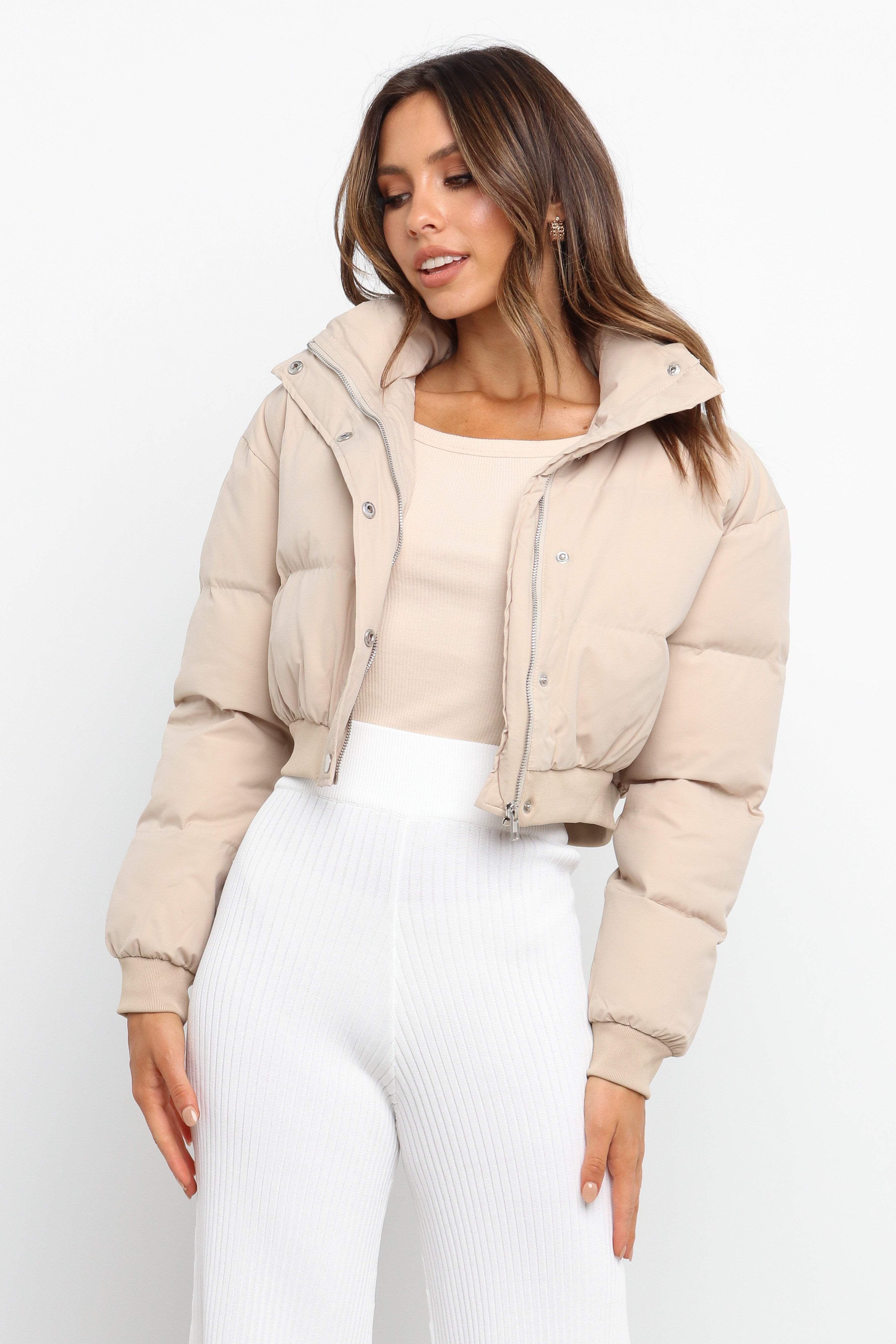 Zavia Jacket Beige 6 Puffer Jacket Long Beige Puffer Jacket Fashion [ 5338 x 3559 Pixel ]