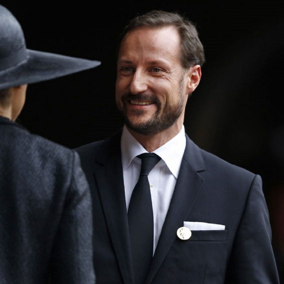 Crown Prince Haakon of Norway has been one of the members of European royalty that has brought together in Johannesburg's Soccer City to dismiss with full honors to former South African President.