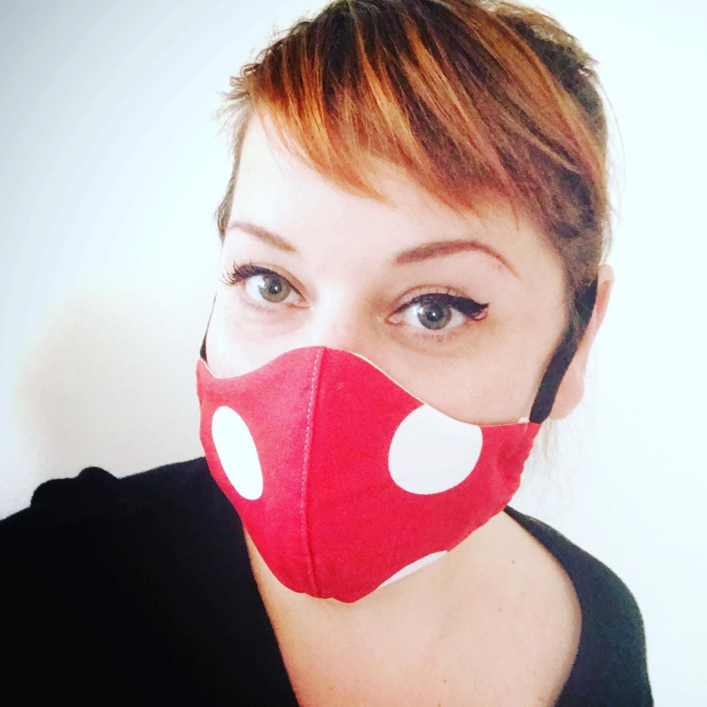 Masque en Tissu Rouge à Pois Adultes et Enfants