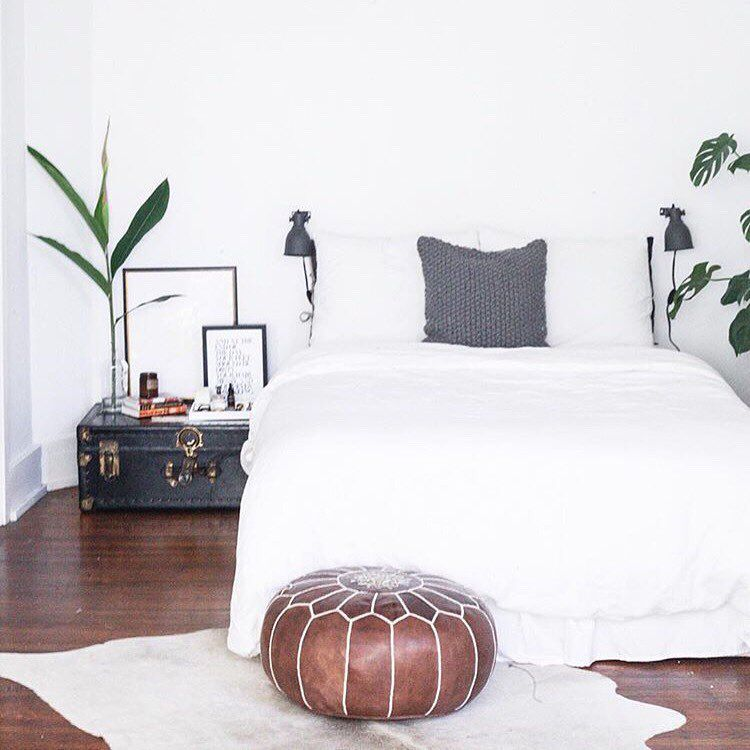 "Lulu & Georgia på Instagram: ""Rushing home to a bedroom like this on a Friday after work trumps everything. #landgathome by @juleytl featuring our Kenza Moroccan pouf and Bristol Cowhide Rug."""