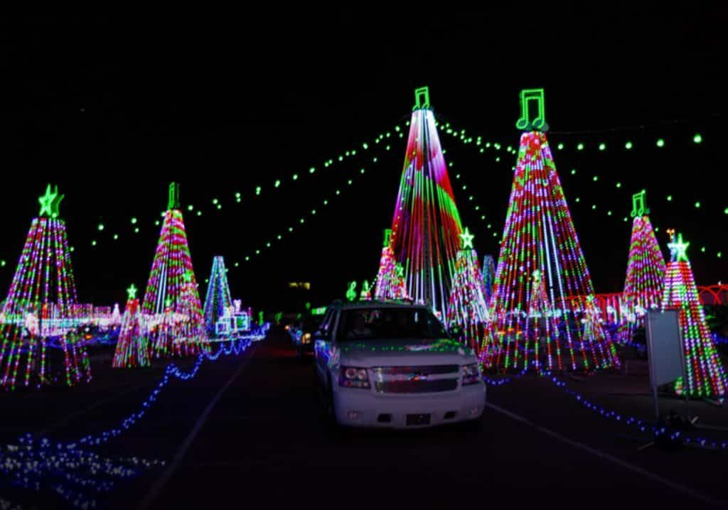 Candy Rush Drive Thru Christmas Light Show In 2020 Christmas Light Show Light Show Christmas Lights