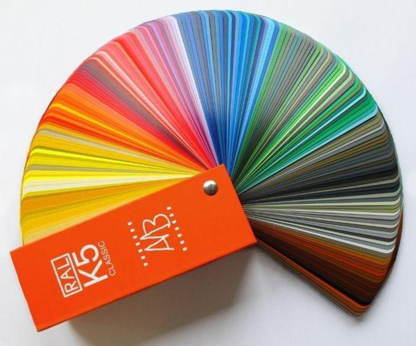 Farbtafel Wandfarbe - Besorgen Sie sich eine Farbfeder.Diese wird Ihnen bei der Auswahl der richtigen Farbnuancen sehr behilflich sein...