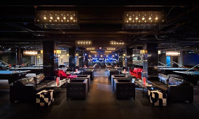 Slate Bar Billiards Lounge With Images New York Bar Night Life Nyc