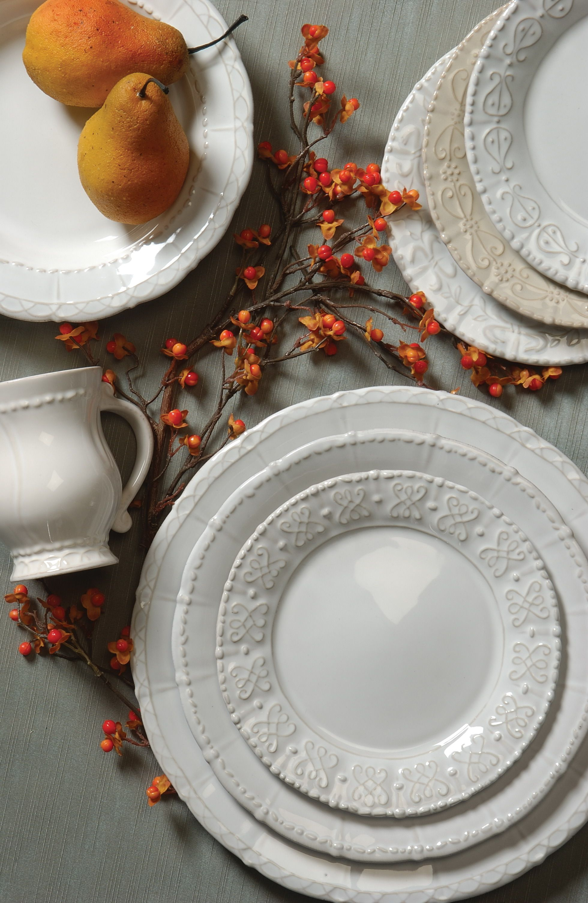 European history is repeated in this elegant dinnerware line. Freezer & Historia... European history is repeated in this elegant dinnerware ...