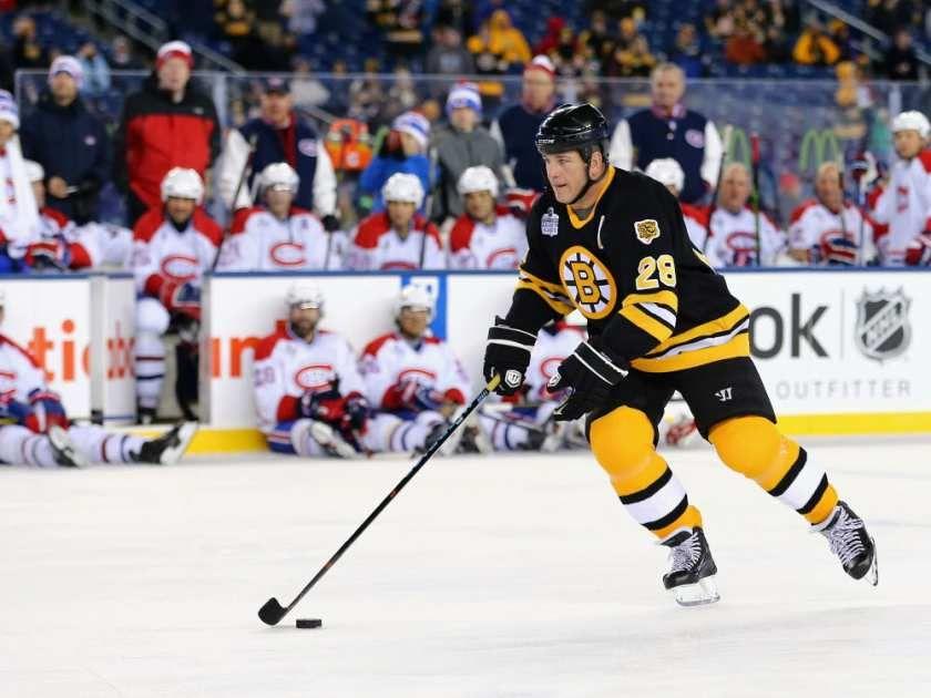 Mark Recchi #28 of the Boston Bruins skates against the Montreal Canadiens during the 2016 Bridgestone NHL Winter Classic  Alumni Game at Gillette Stadium on December 31, 2015 in Foxboro, Massachusetts.