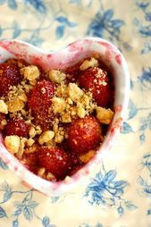 Easy No-Bake Strawberry Crisp #recipe #strawberries #berries #crisp #fruit  The …