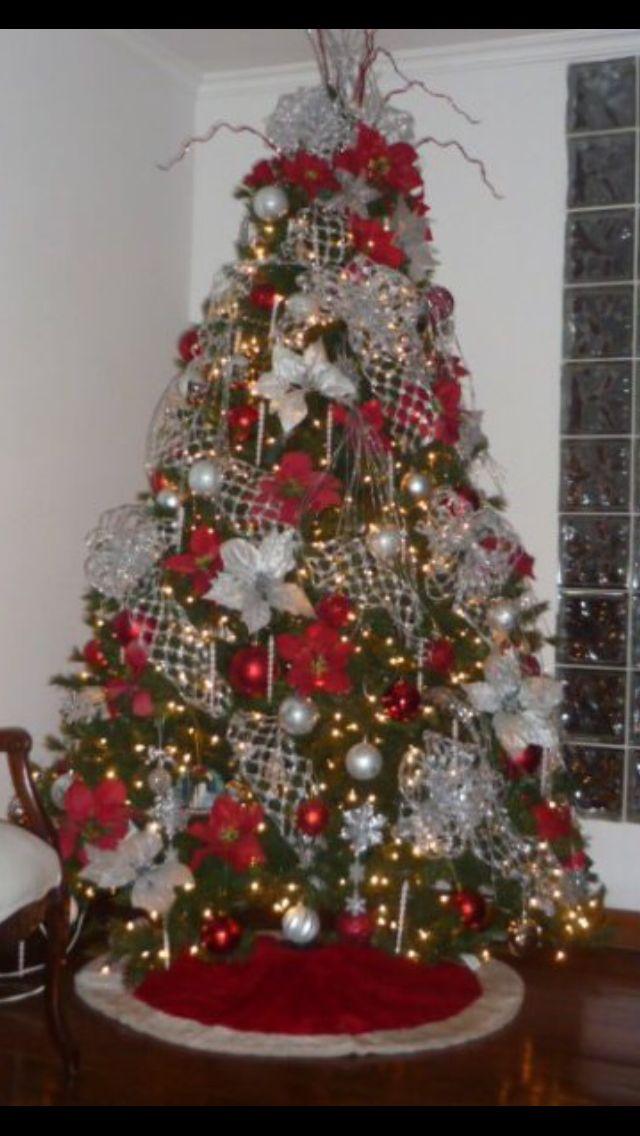 Arbol rojo y plateado arbol decorado pinterest rojo - Decoraciones para navidad ...