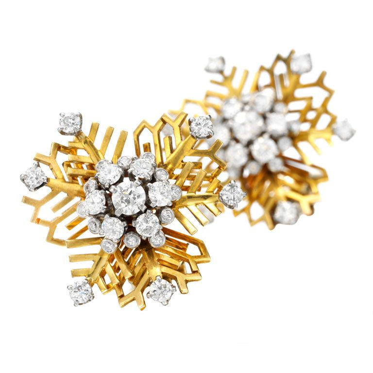 VAN CLEEF & ARPELS Diamond and Gold ' Snowflakes' Earclips
