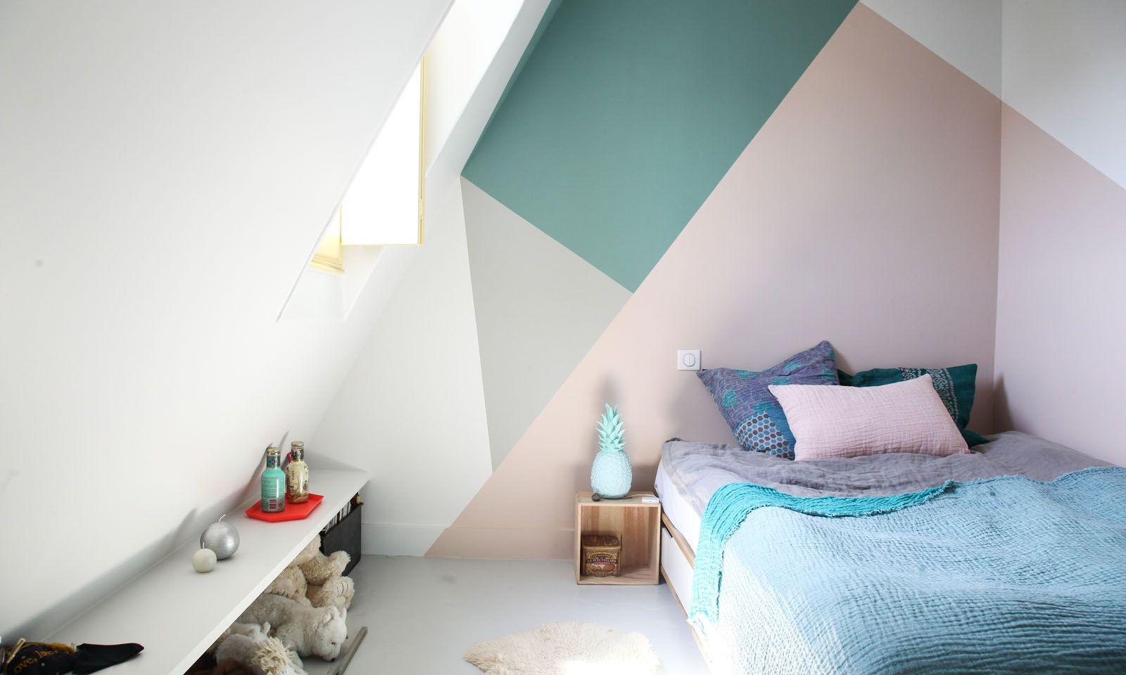 Une chambre d 39 enfant color e en 2019 peinture chambre b b chambre b b sous comble et - Chambre enfant coloree ...